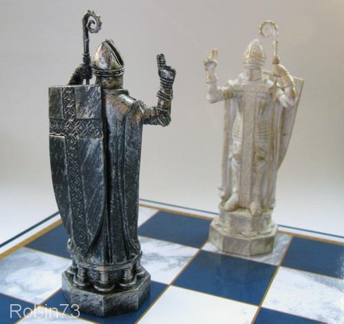 шахматы слон фото