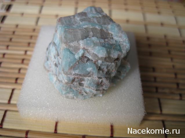Минералы Подземные Богатства №39 - Амазонит